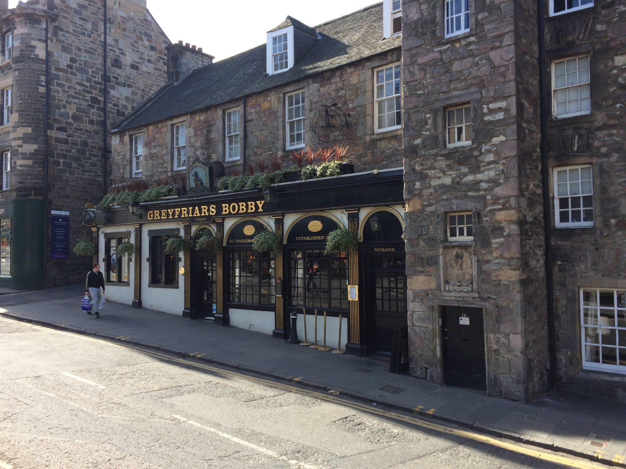 Qué hacer en Edimburgo, ver Greyfriars Bobby.