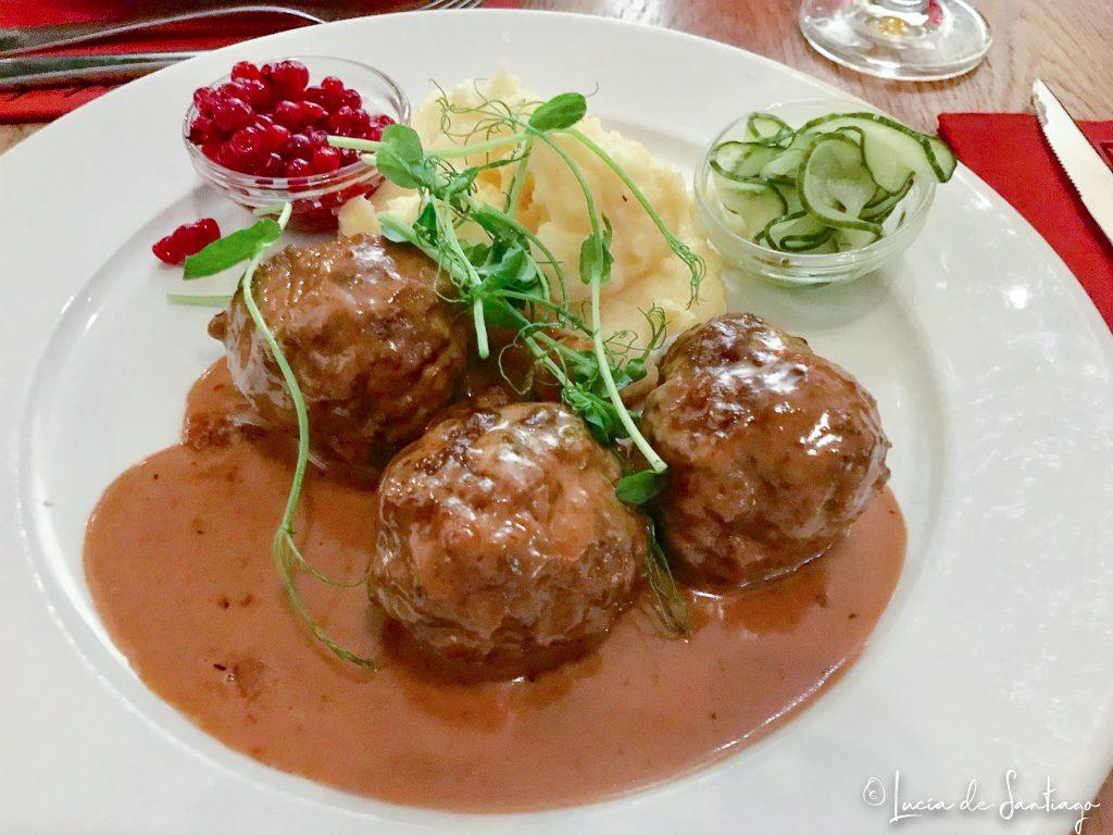 Albóndigas suecas, una de las cosas que debes comer en Estocolmo
