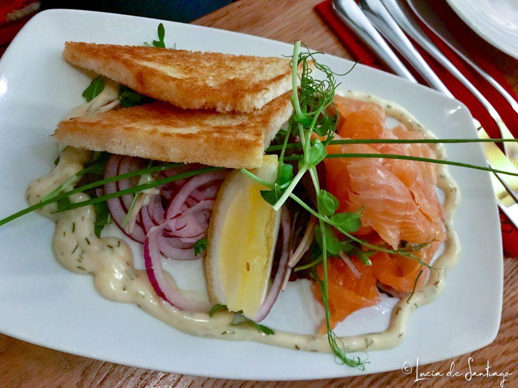 Gravlax, salmón curado.